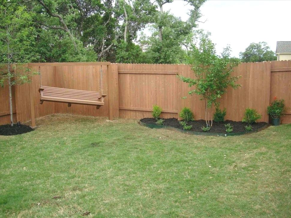 Picture of: Best Backyard Fence Ideas on a Budget