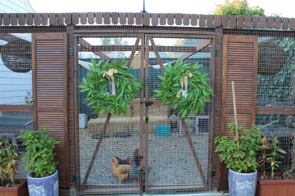 Picture of: Best Chicken Fence Ideas