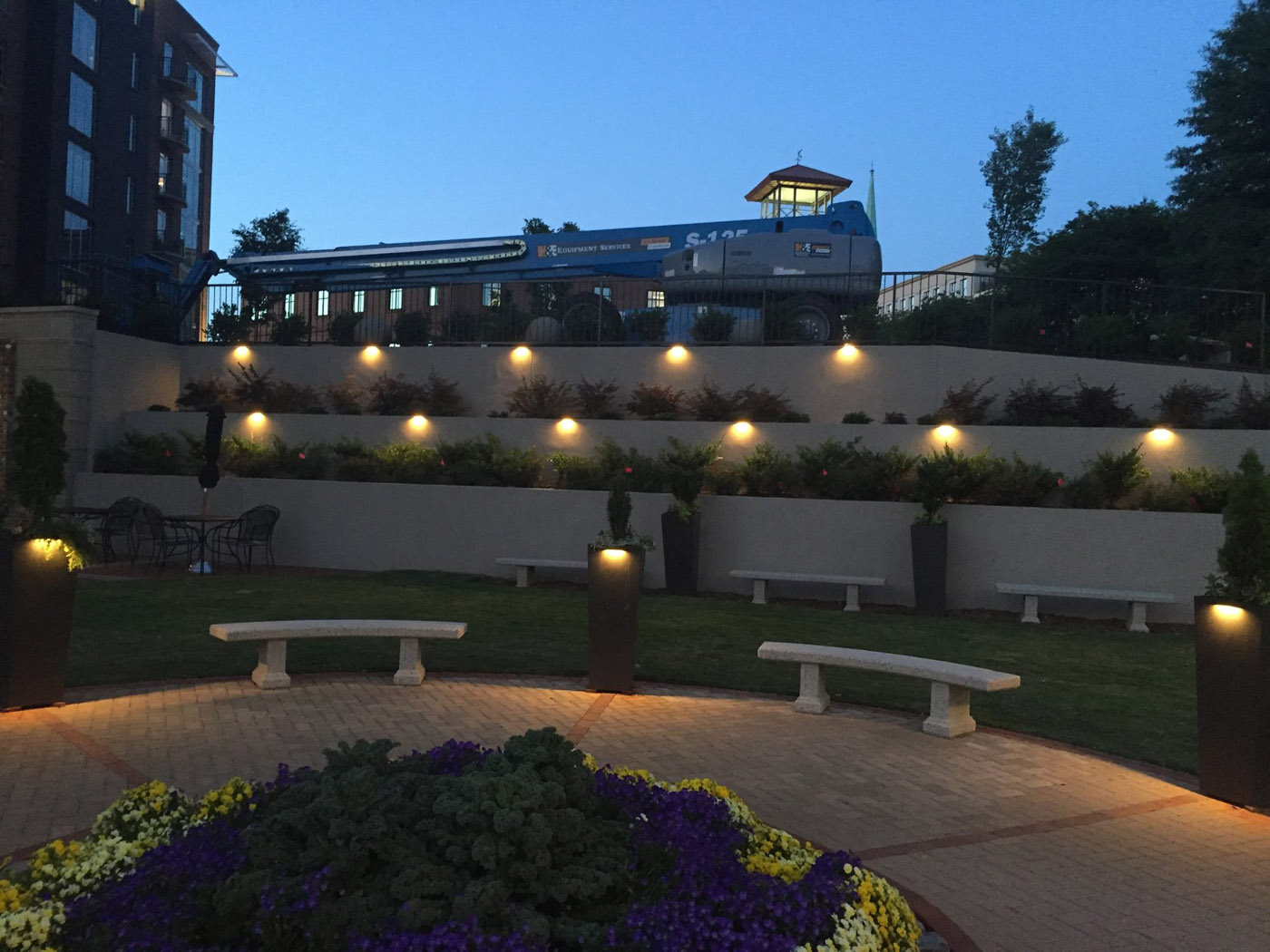 Picture of: Best Commercial Outdoor Lighting