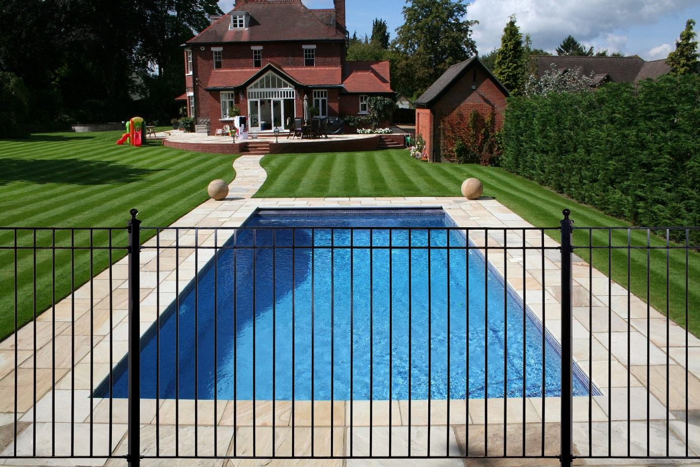 Best Metal Pool Fence Ideas