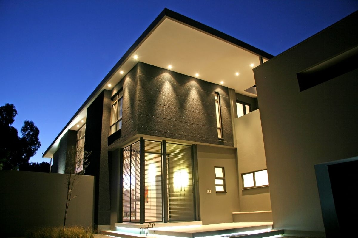 Picture of: Black Outdoor Lights Controlled By Phone