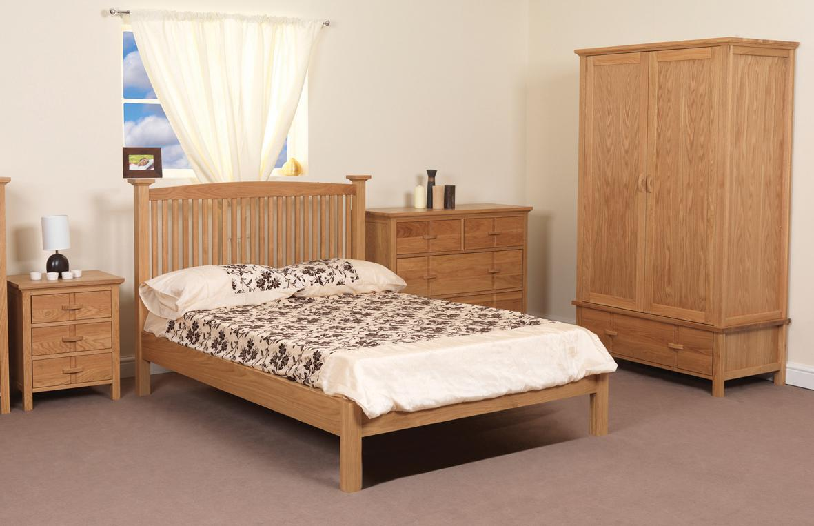 Image of: Broyhill Bedroom Set Prices