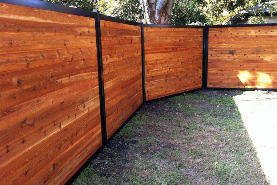 Picture of: Build Wood and Metal Fence