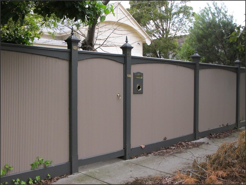 Image of: Building a Metal Privacy Fence