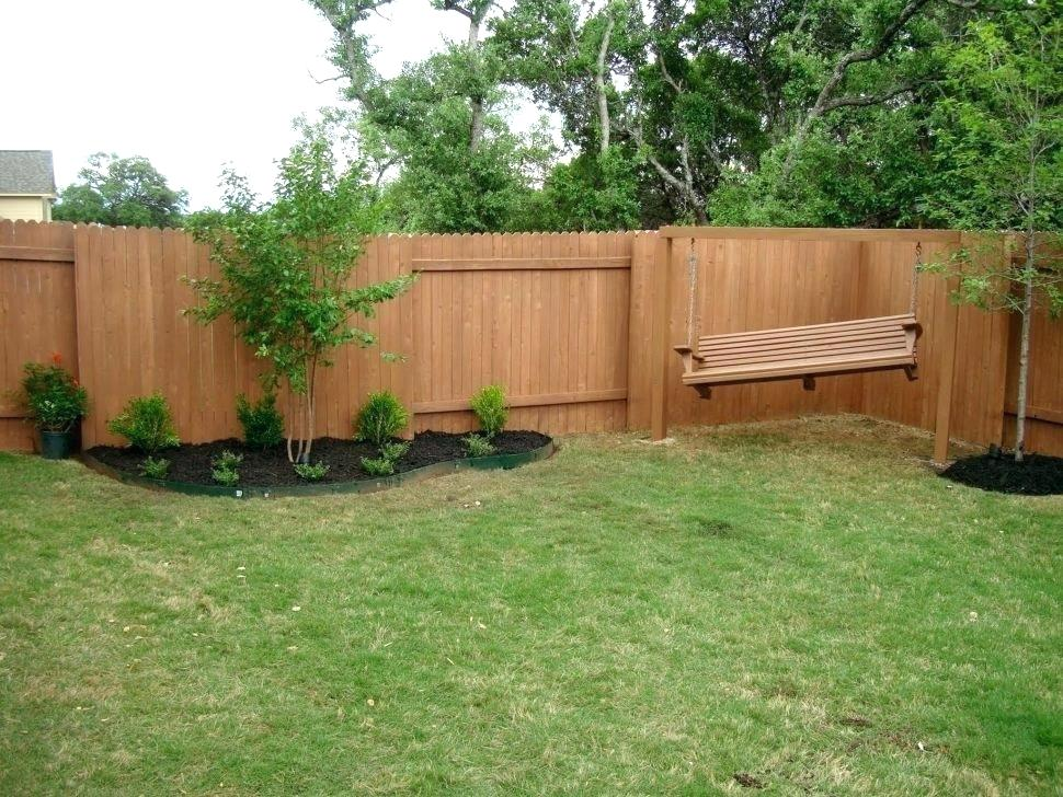 Picture of: Cheap Backyard Fence Ideas