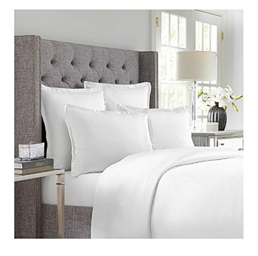 Image of: Clean White Duvet Cover Clips
