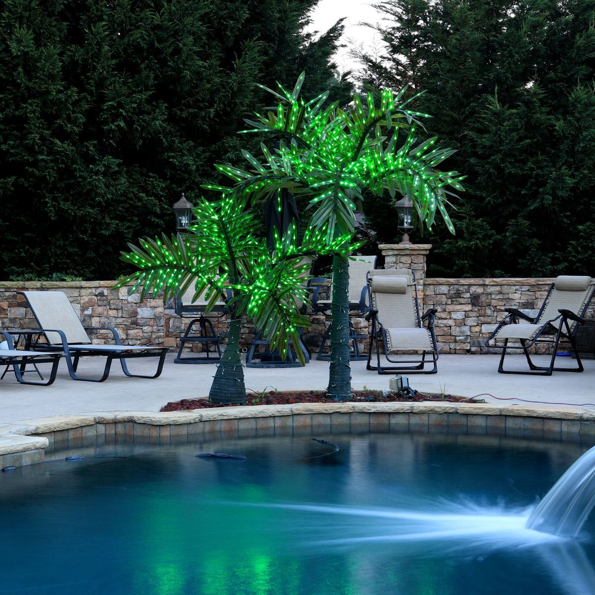 Picture of: Commercial Outdoor Lighted Palm Tree