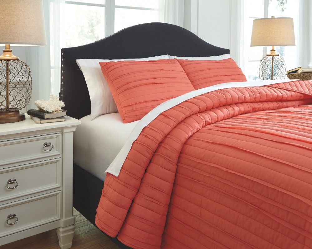 Coral Queen Comforter Set Definition