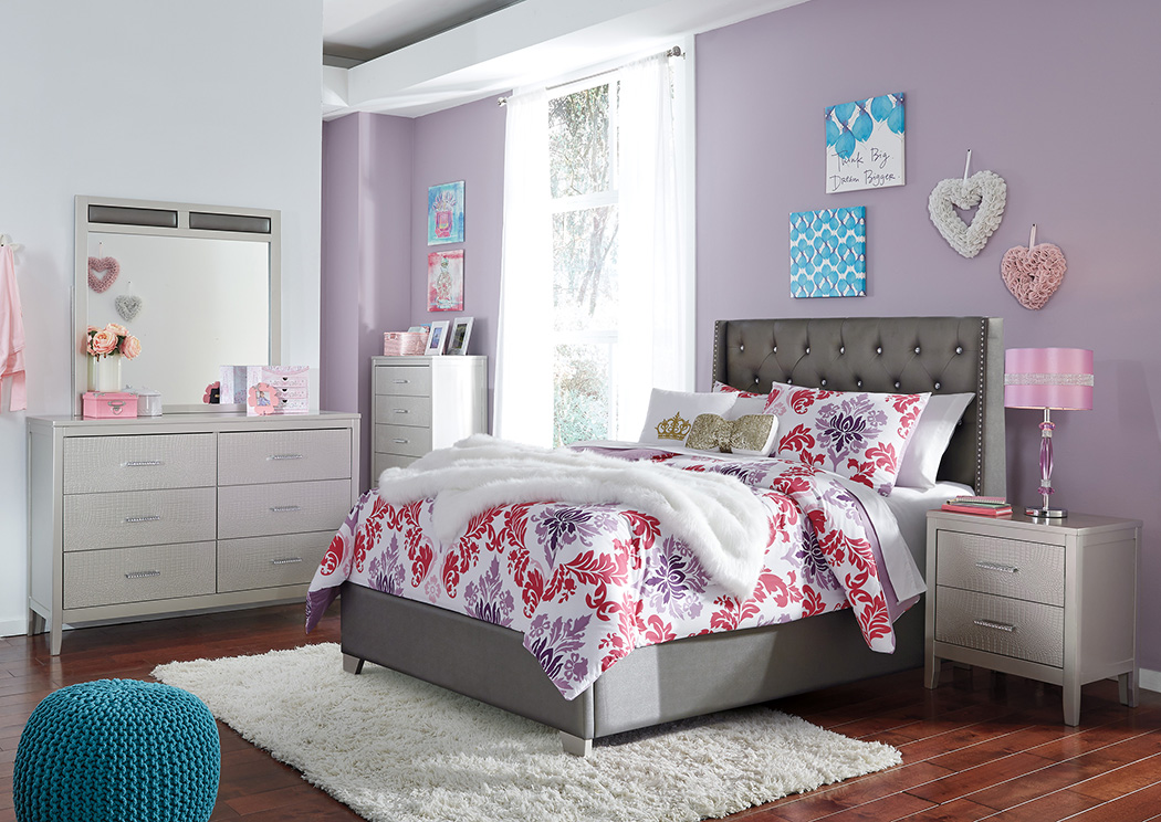 Image of: Coralayne Bedroom Set Ashley
