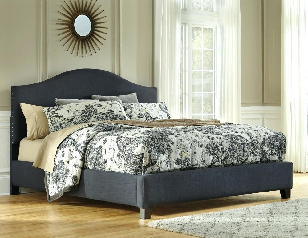 Coralayne Bedroom Set Reviews