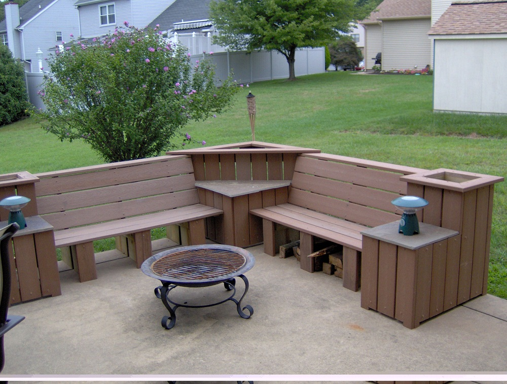 Picture of: Corner Wooden Benches For Outside