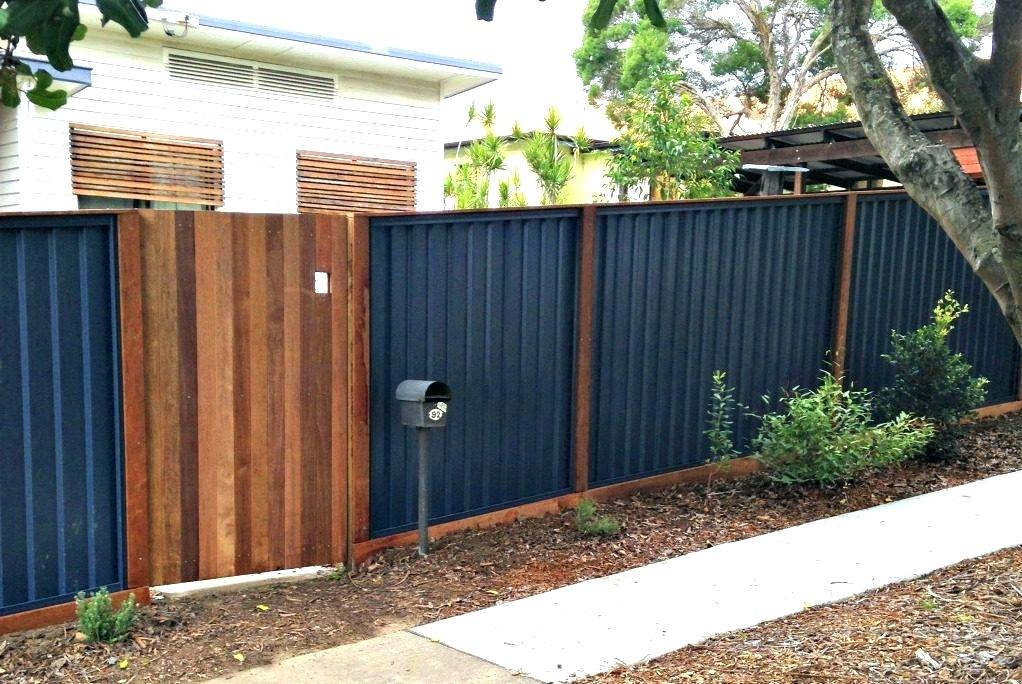 Image of: Corrugated Metal Fence DIY Instructions
