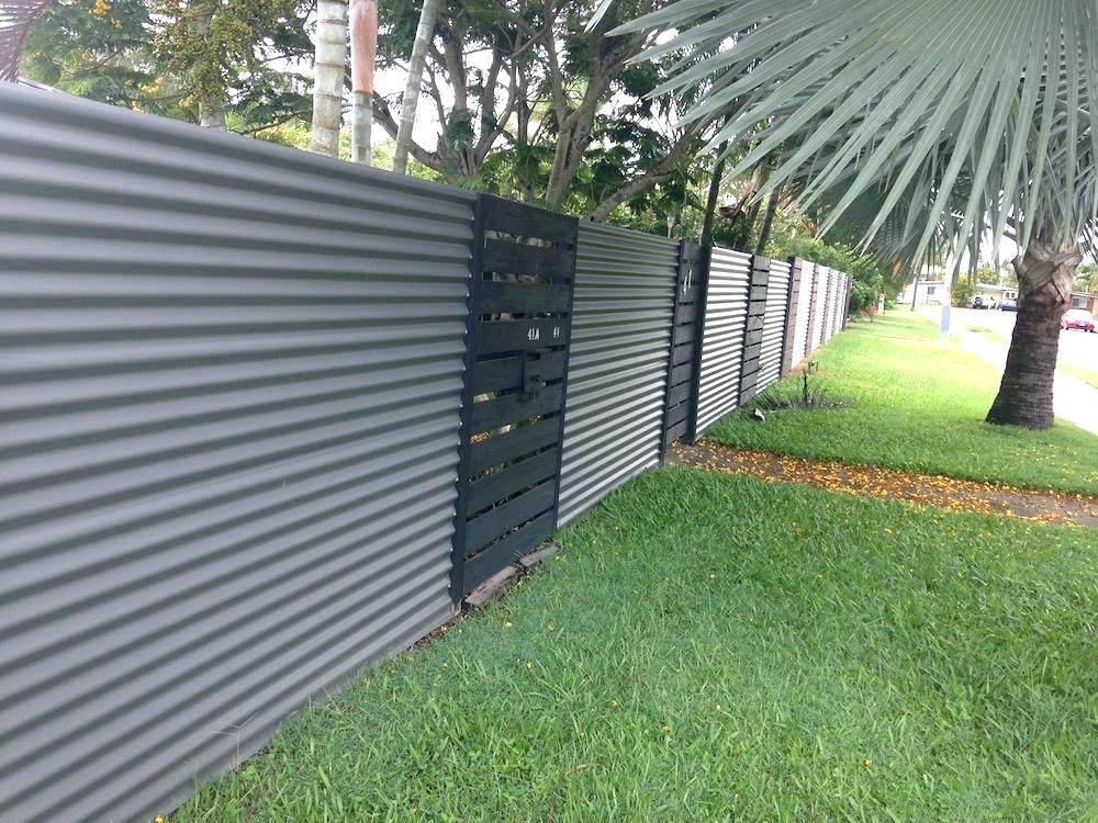 Image of: Corrugated Metal Fence Gates