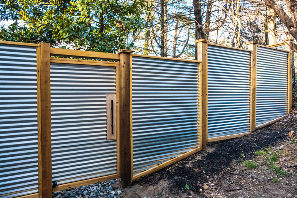 Image of: Corrugated Metal Fence Idea