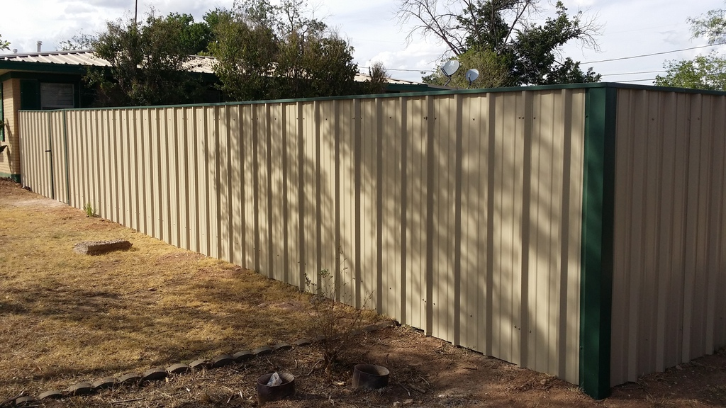 Image of: Corrugated Metal Privacy Fence