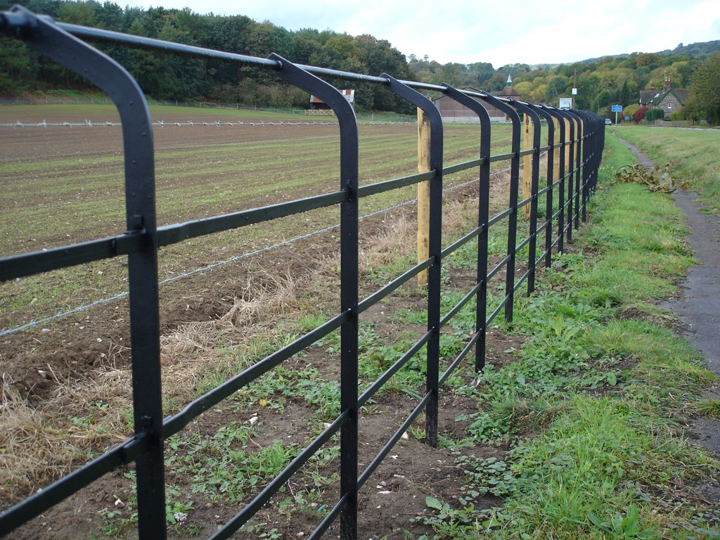 Image of: Country Metal Deer Fencing