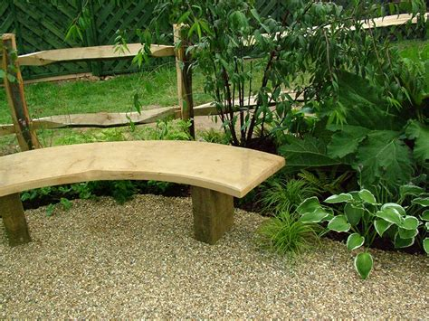 Picture of: Curved Wooden Bench Seat