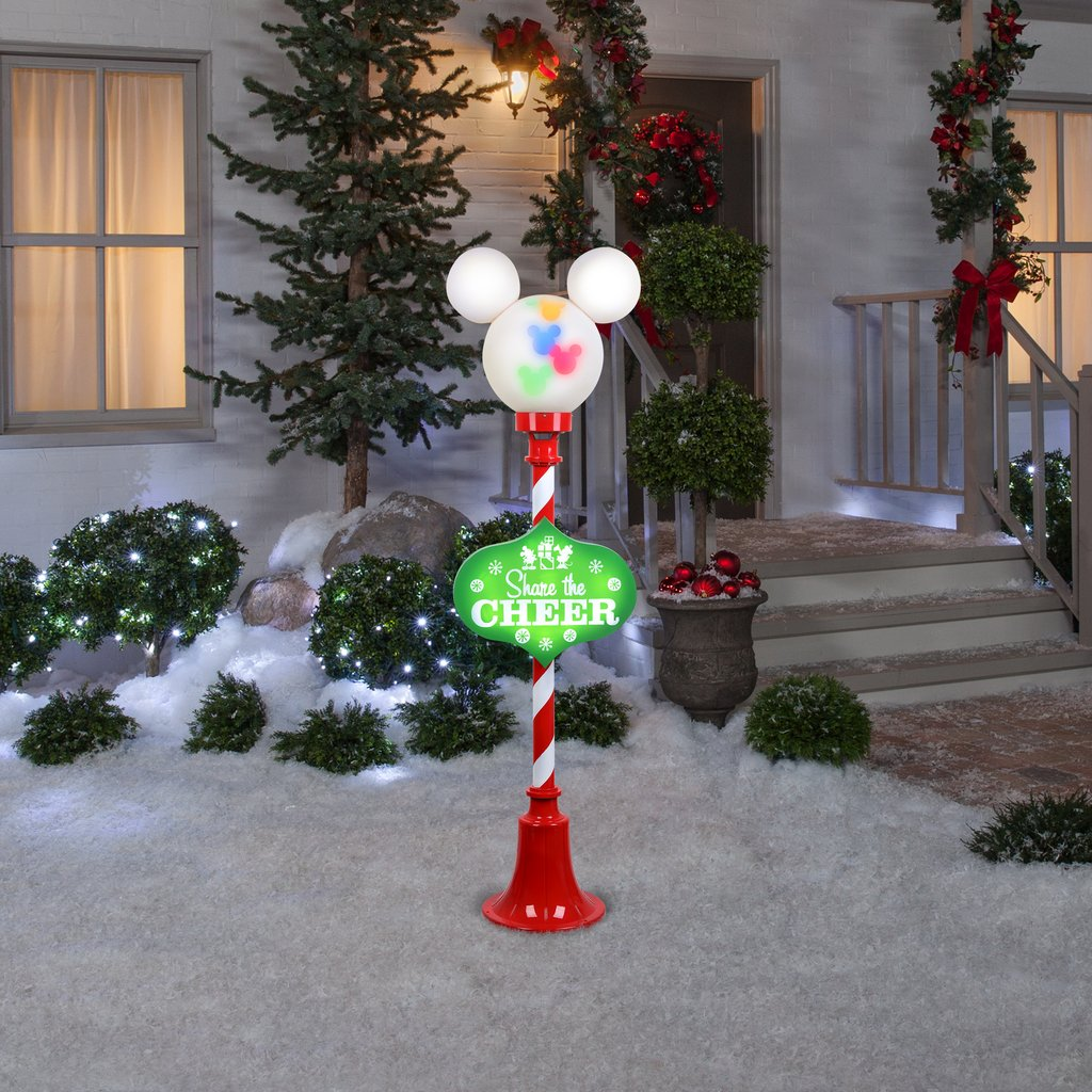 Cute Outdoor Christmas Lamp Post