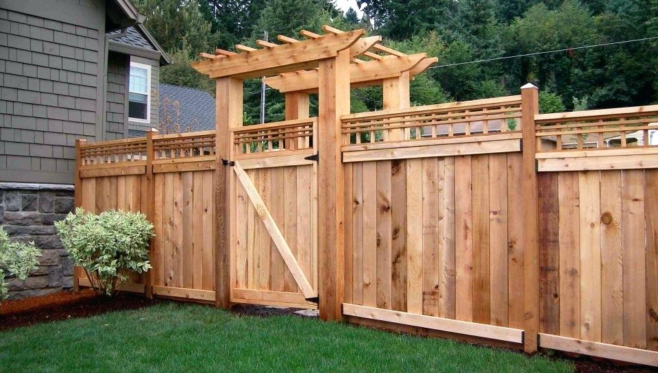 Picture of: DIY Yard Fence Ideas