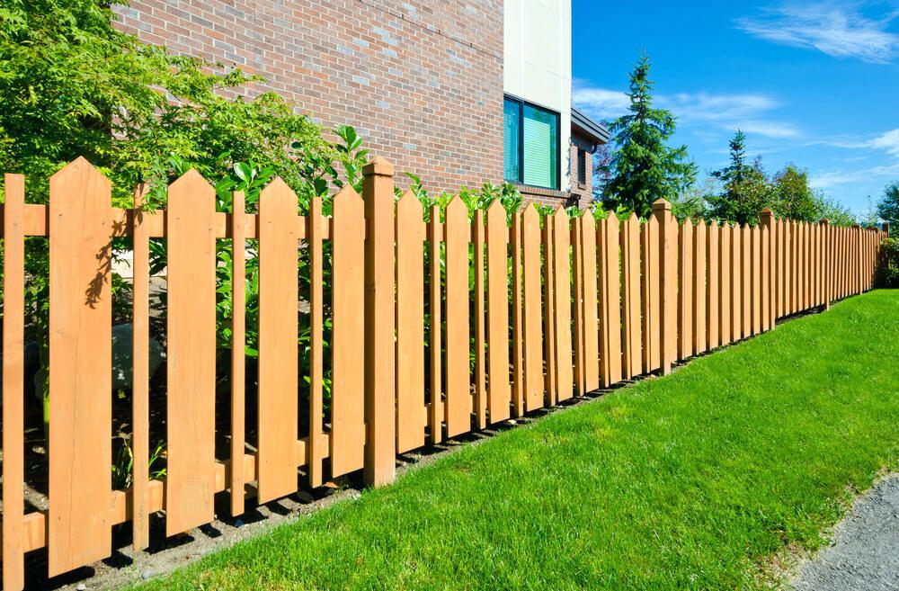 Picture of: Decorative Fence Ideas Picket