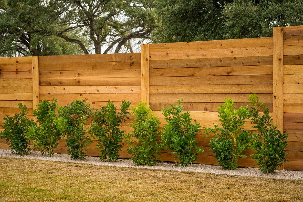 Picture of: Diy Privacy Fence Ideas Horizontal