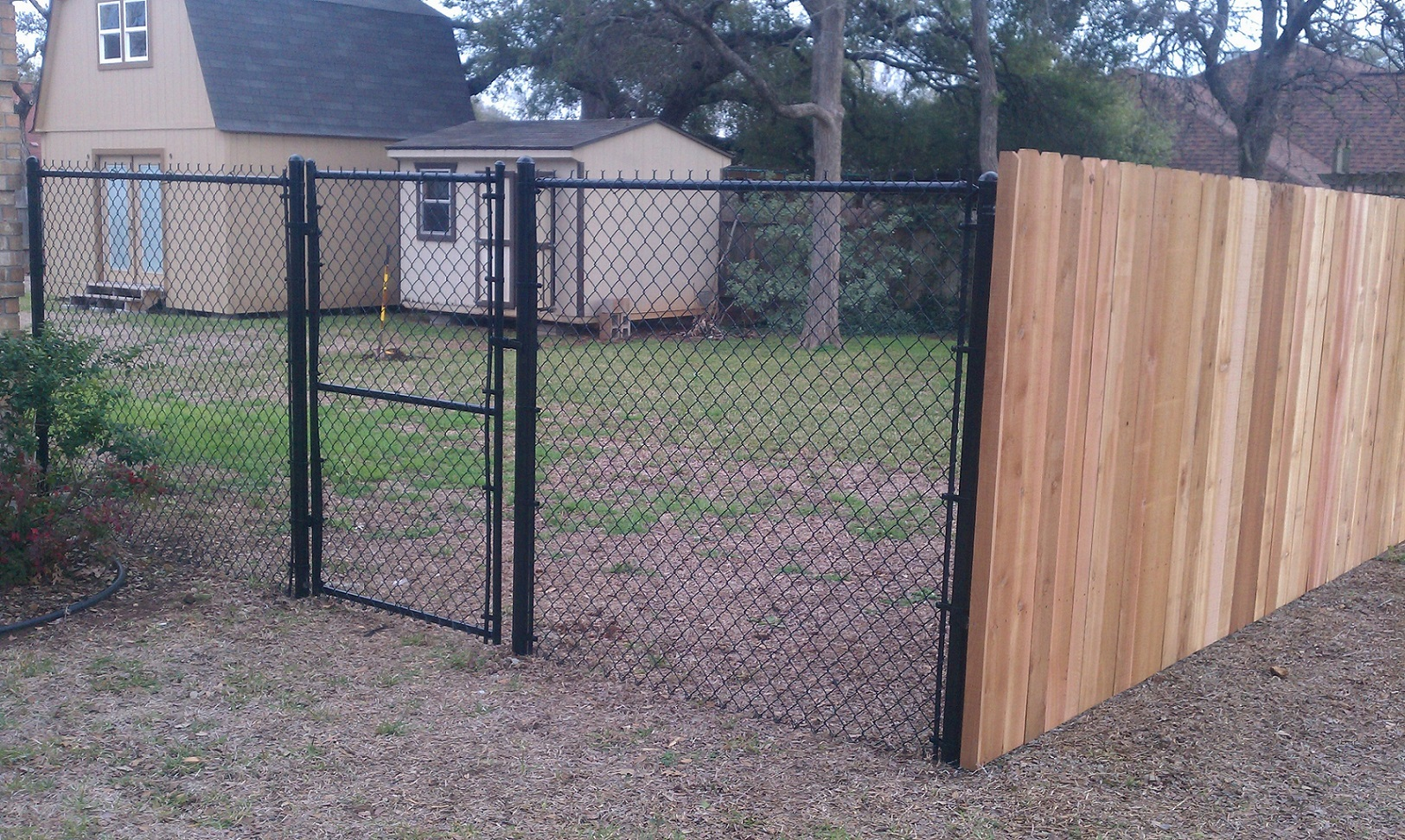 Picture of: Diy Privacy Fence Ideas Popular