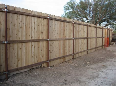 Picture of: Entrance 4 Ft Wood Fence