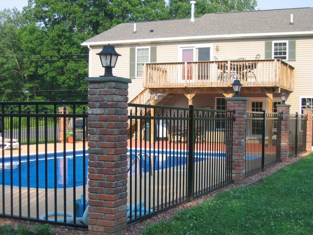 Picture of: Excellent Home Fence Ideas