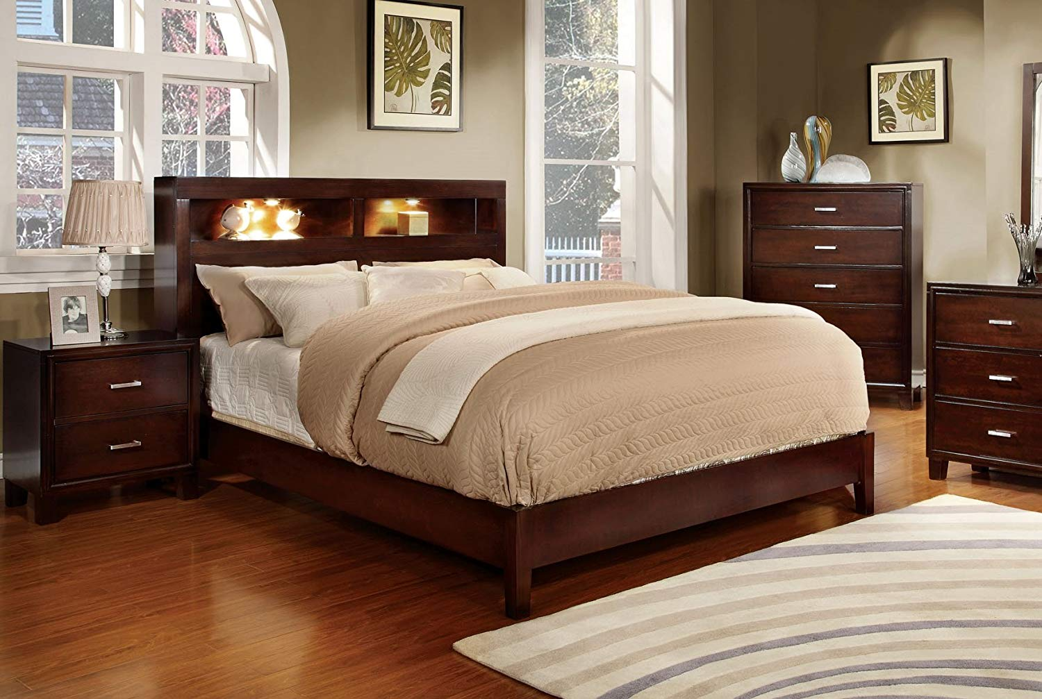 Image of: Famous Solid Wood Bedroom Sets