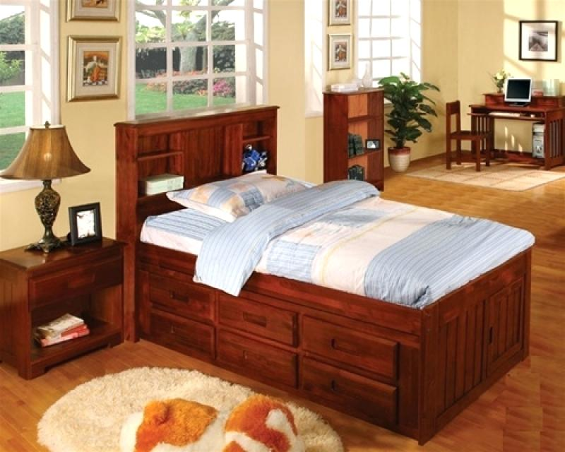 Full Size Captains Bed With Storage Advantages