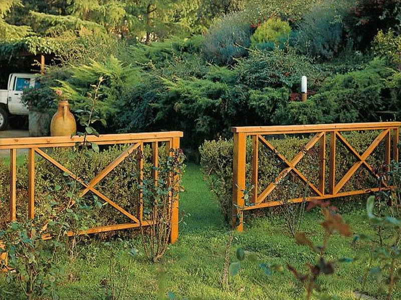 Picture of: Garden Front Fence Ideas