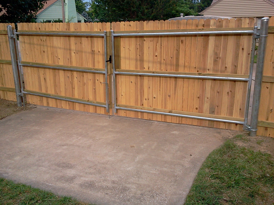 Picture of: Gates Steel Post for Wood Fence