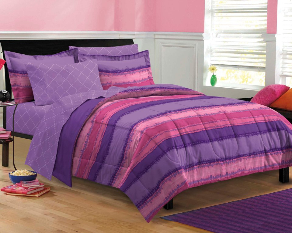 Picture of: Girls Pink Twin Comforter Set
