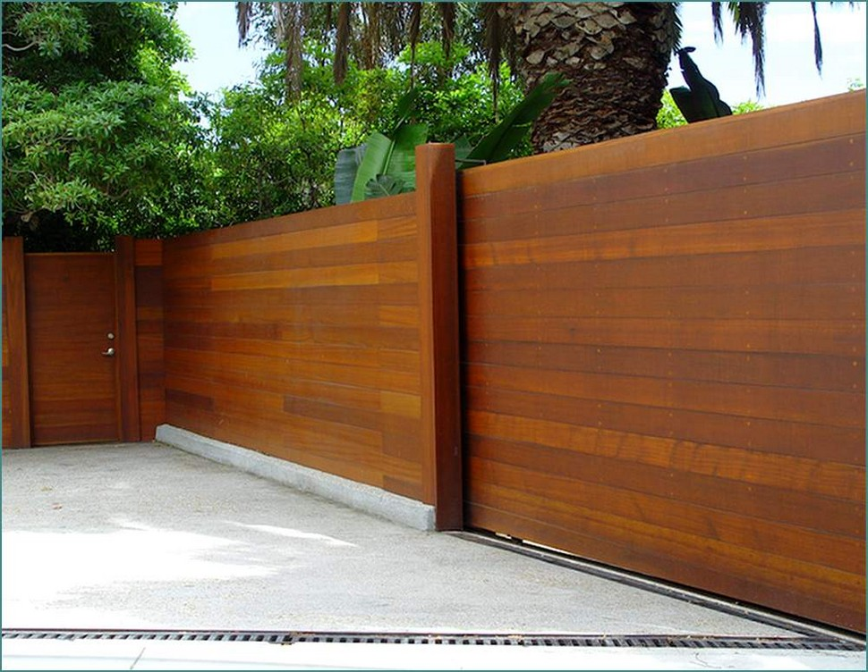Picture of: Good Horizontal Fence Panels