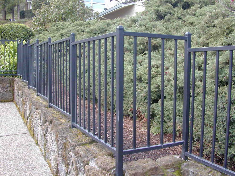 Good Metal Pool Fence Ideas