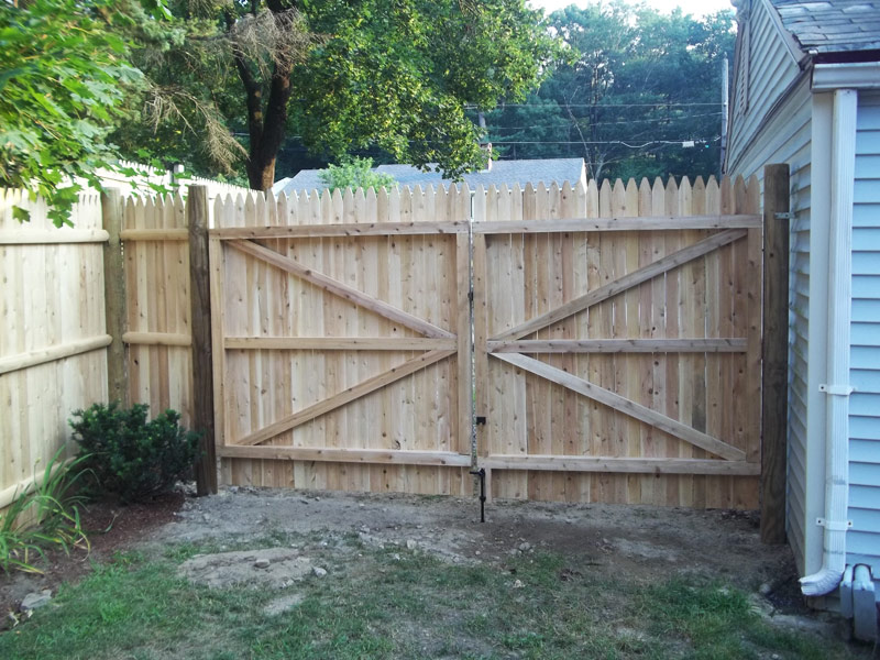 Picture of: Good Wood Fence Gate Hardware