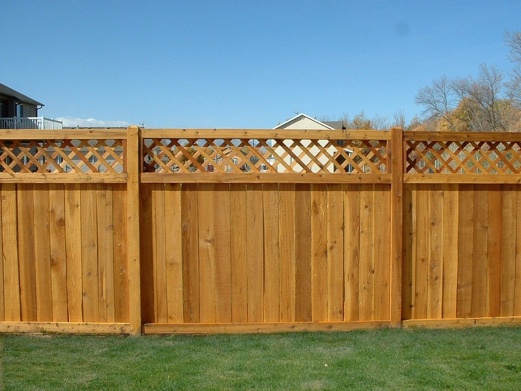 Picture of: Great Types of Wood Fences