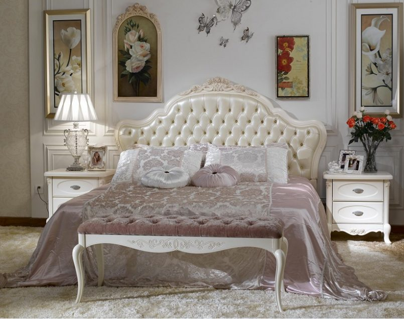 Image of: Guide to Buy French Bedroom Set