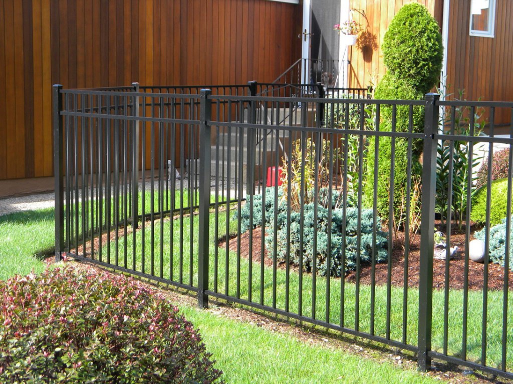 Picture of: Home Build Your Own Dog Fence