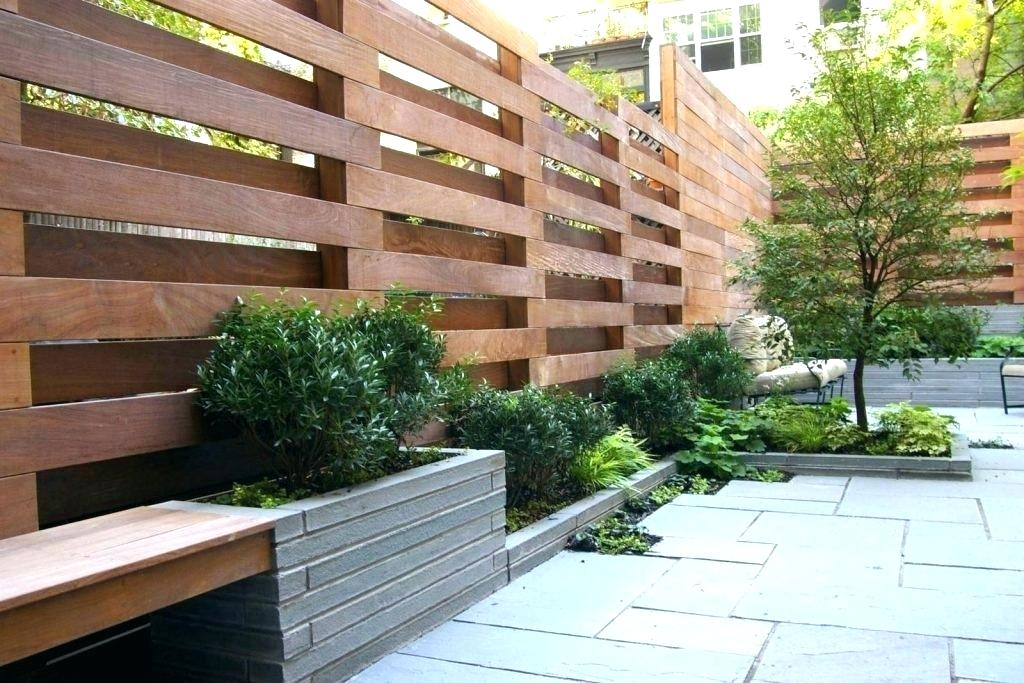 Picture of: Horizontal Fence Ideas Design
