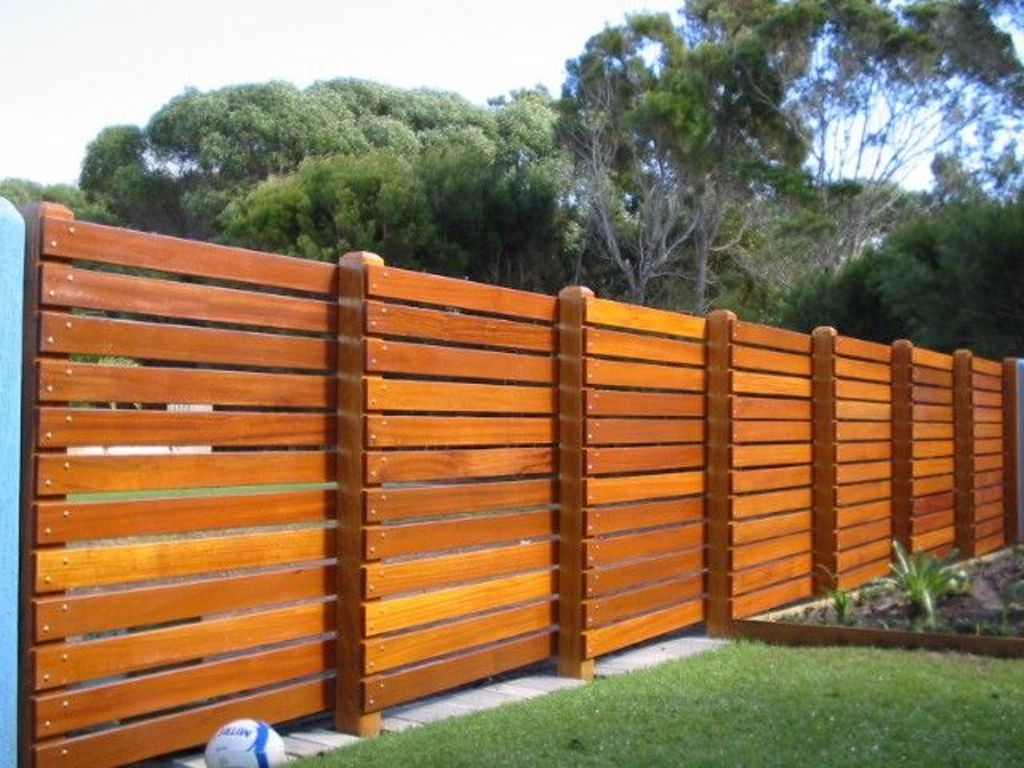 Picture of: Horizontal Fence Ideas Groove