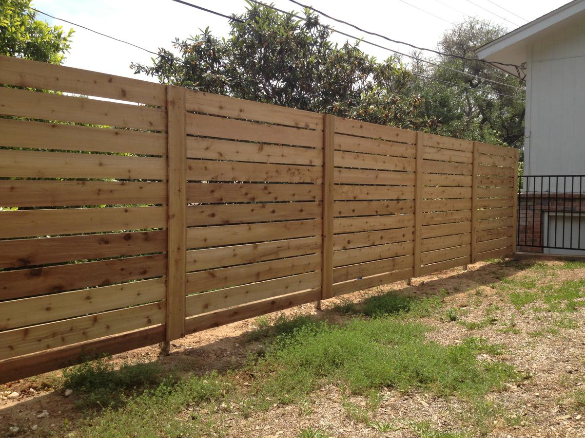 Picture of: Horizontal Fence Ideas Simple