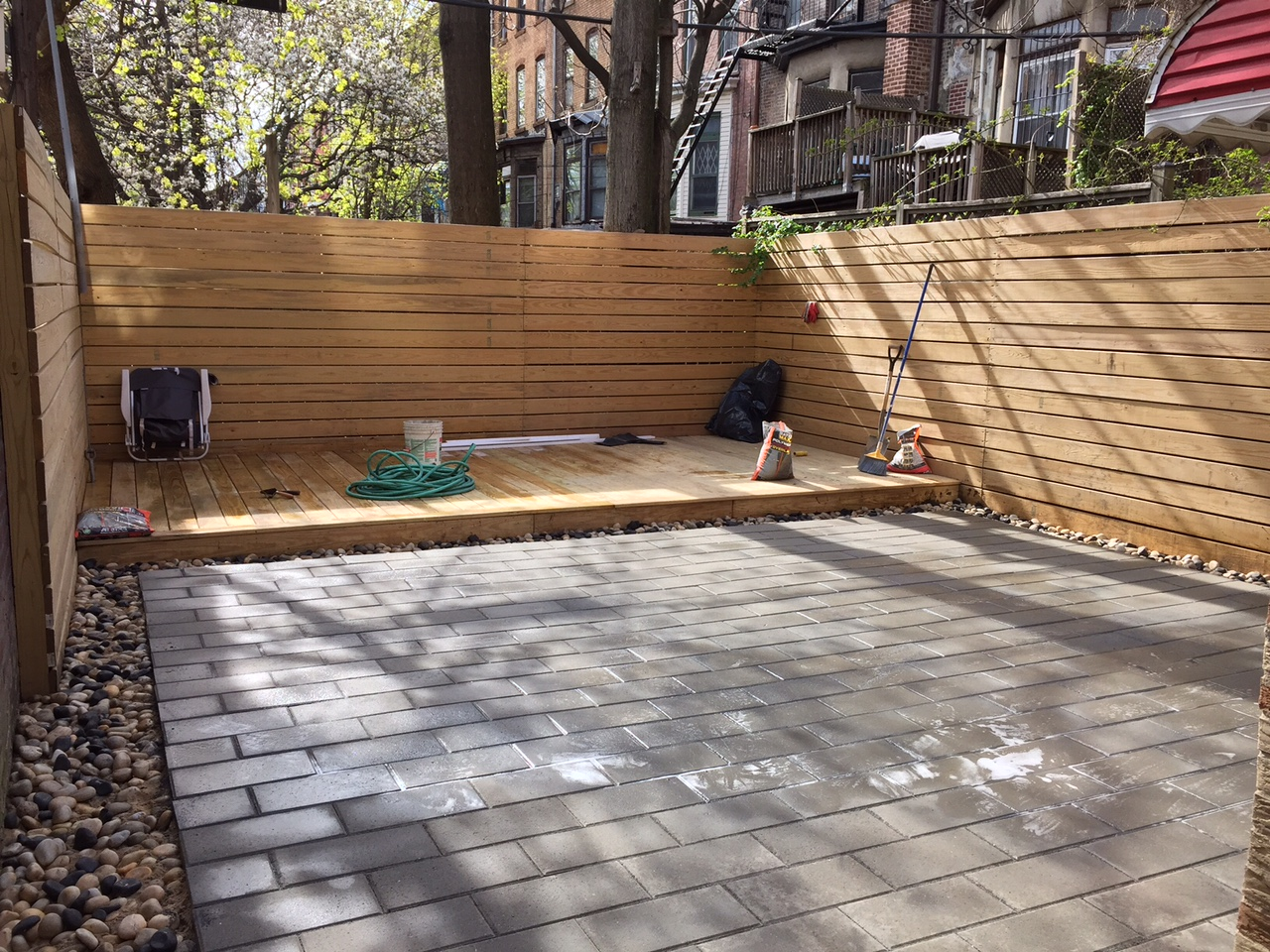 Picture of: Horizontal Fence Ideas Yard