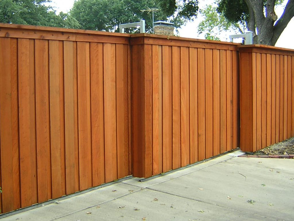 Picture of: Horizontal Wood Fence Panels Ideas