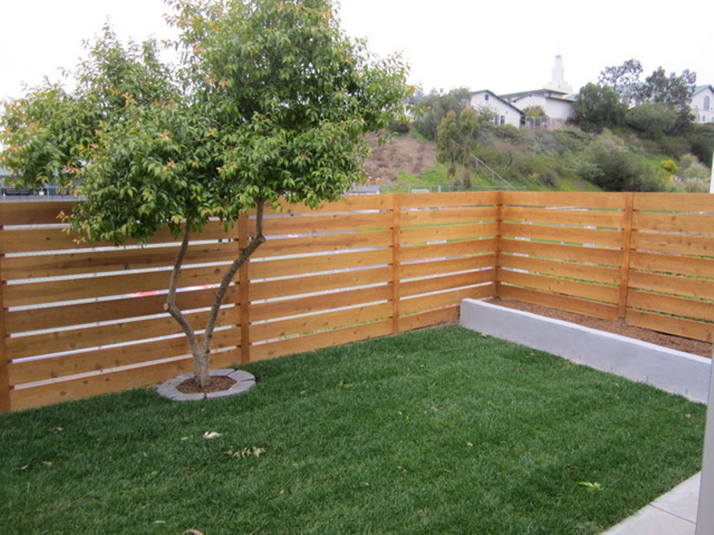 Picture of: Horizontal Wood Fence Panels Low