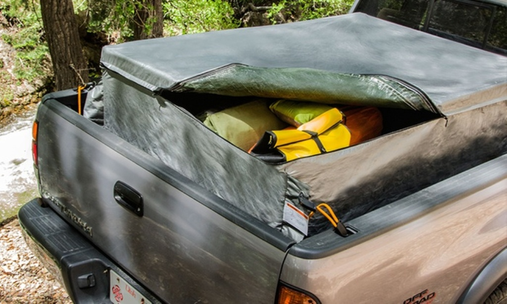 Picture of: How To Keep Luggage Dry In Truck Bed