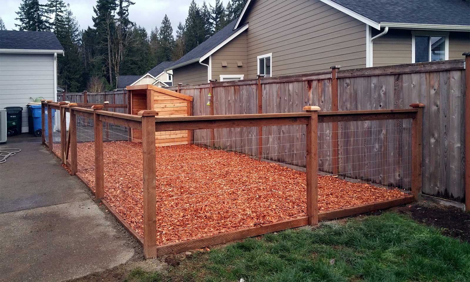 Picture of: How to Build a Large Dog Fence