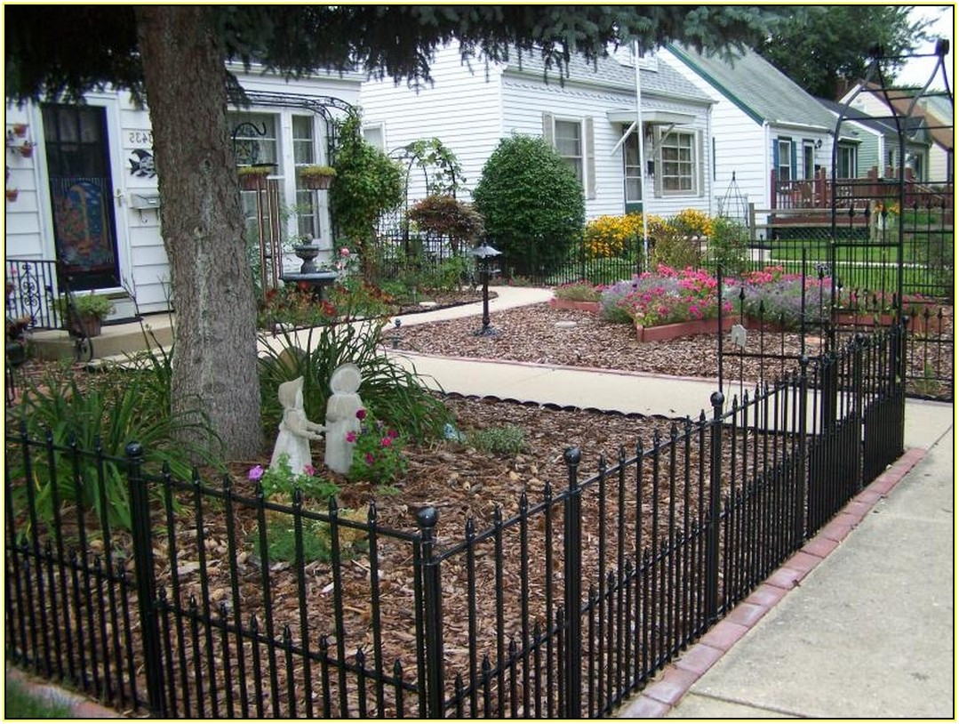 Picture of: Inexpensive Yard Fences Black