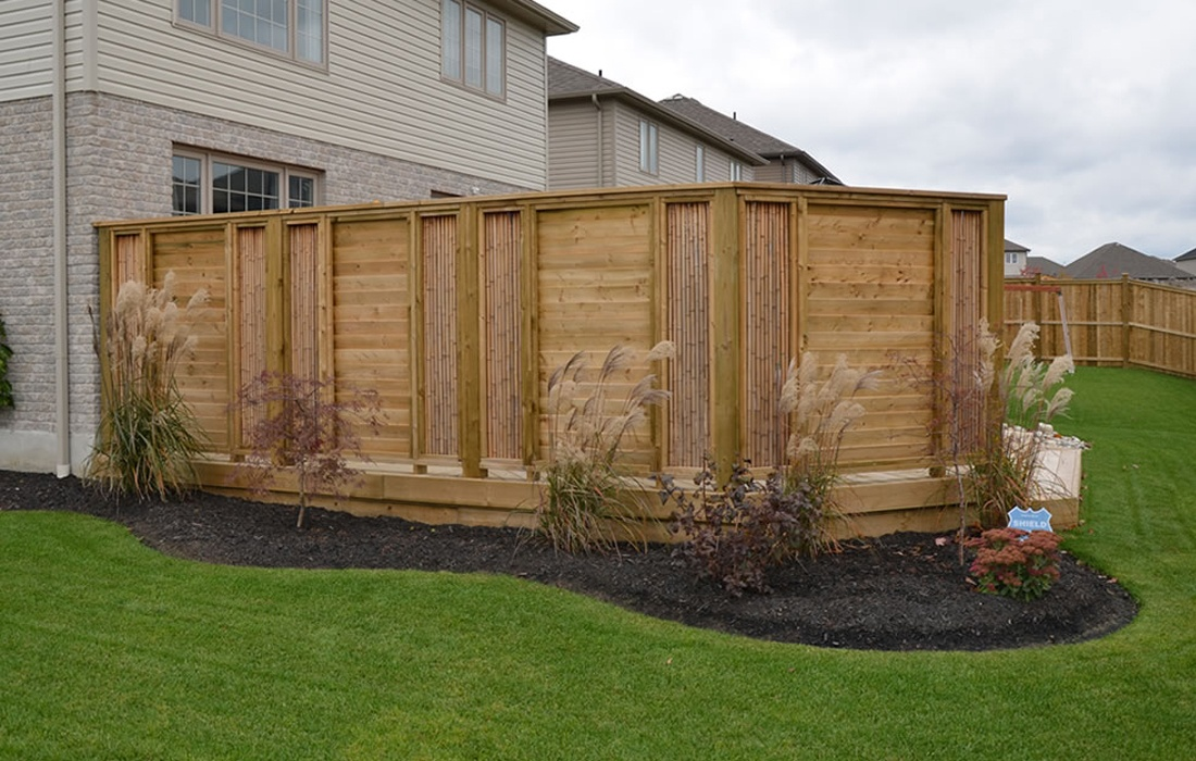 Picture of: Inexpensive Yard Fences Ideas