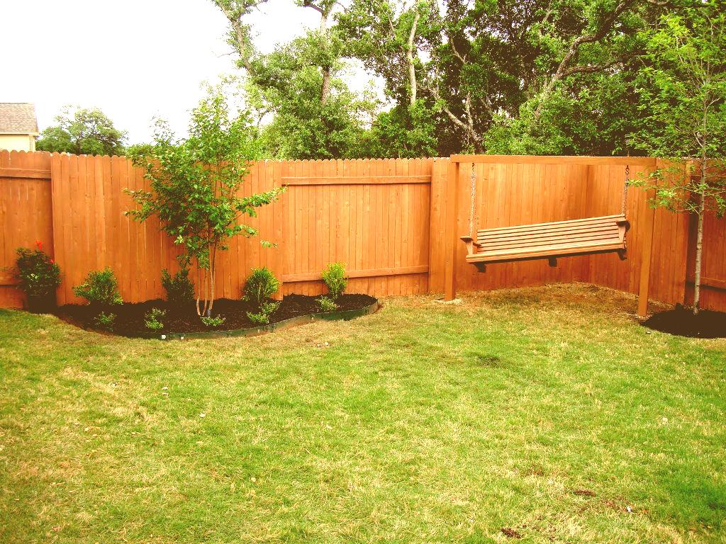 Picture of: Inexpensive Yard Fences Landscape